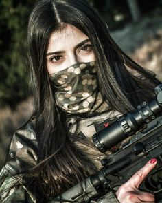 Amazing WTF Facts: Military Girls Wallpaper - Women in the Military Photo - Girls and Guns - Tactical Girls Cute Asian Girls, Cute Girls, Girl Pictures, Girl Photos, Female Soldier, Military Women, Girl Photo Poses, Girls Dpz, Girls Image