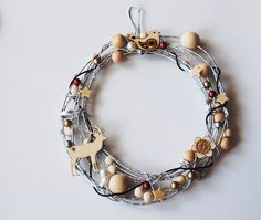 Couronne de Noël Noel Christmas, Wire Wrapping, Art Floral, Coups, Bracelets, Crafts, Craft Ideas, Jewelry, Crowns