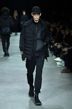 adidas Y-3 Paris Fashion Week Show Yohji Yamamoto https://twitter.com/ShoesEgminfmn/status/895096695293329409