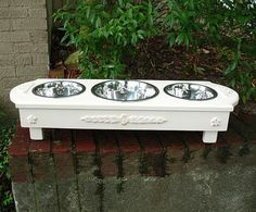 Shabby chic pet feeder