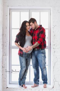 Фотосессия для беременных в студии. Беременная фотосъемка на природе с мужем. Красивые фото беременности, в ожидании. Лучшие фотографы в Москве.