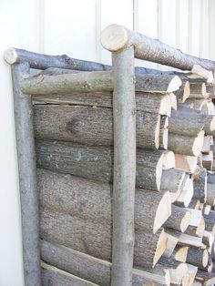 firewood storage with home hame racks showing the end ladder brandhout opslag met home hame rekken met de eindladder