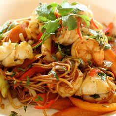 Wok de poissons variés aux légumes sauce aigre doux