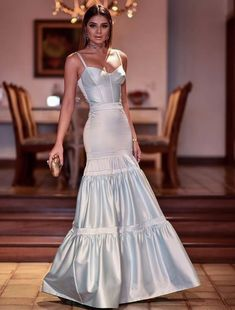 Long prom dress in 2019 prom style вечерние платья, одежда, Formal Dresses For Women, Elegant Dresses, Nice Dresses, Casual Dresses, Designer Evening Gowns, Evening Dresses, Prom Dresses, The Dress, Beautiful Gowns