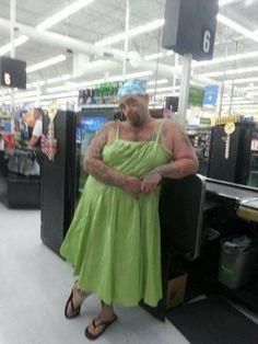 The 45 Funniest 'People of Walmart' Photos - Wackyy Funny Walmart Pictures, Walmart Funny, Walmart Photos, Funny Photos, Wtf Funny, Hilarious, Funny Stuff, Frases, Jokes