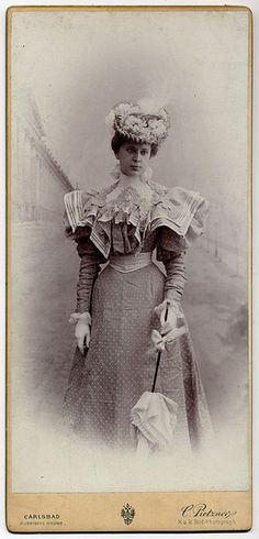 Elegant Late Victorian Lady with Parasol