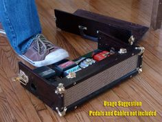 Vintage-Looking Wood and Brass Pedal Board / Carrying Case Guitar Effects Pedals, Guitar Pedals, Instruments, Guitar Building, Electronics Gadgets, Guitar Amp, Display Case, Music Stuff, Pedalboard Ideas