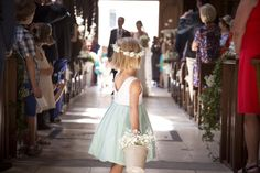 I 've just discovered the photos … I smiled all the way looking at them and I shed my little tear at the end. Wedding Pictures, Wedding Ideas, Flower Girl Dresses, Tulle, Wedding Dresses, Womens Fashion, Dress Black, Little Girls, Valentines Day Weddings