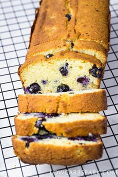 Blueberry bread easy to make perfect for a ketogenic diet. It's made with coconut flour and almond flour, so it's gluten free and grain free. This blueberry bread is not only a grain-free keto bread b Easy Keto Bread Recipe, Best Keto Bread, Lowest Carb Bread Recipe, Low Carb Bread, Easy Cake Recipes, Low Carb Recipes, Dessert Recipes, Bread Recipes, Recipe List