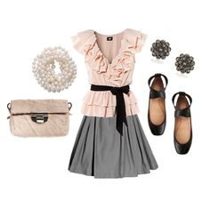 Love this outfit! It's cute for a date or even just a work dinner. Super feminine without over doing it!