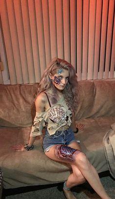 halloween costumes for blondes ig: cosplaytwinsies Best Celebrity Halloween Costumes, Mermaid Halloween Costumes, Couple Halloween Costumes, Halloween Outfits, Zombie Costumes, Halloween Couples, Group Halloween, Family Costumes, Group Costumes