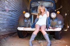 Boudoir photo with truck. Hot Rods, Outdoor And Country, Pin Up, Boudoir Pics, Trucks And Girls, Cute Poses, The Beautiful Country, Sexy Cars, Hello Gorgeous