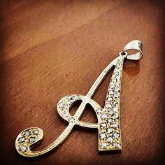 #ciondolo #pendant #oro #giallo #gioielli #diamanti #diamond #grigi #grey #pavé
