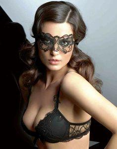 masquerade so perfect for a boudoir!