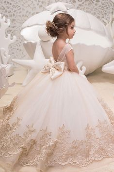 Blush Pink and Gold Flower Girl Dress - Birthday Wedding Party Holiday Bridesmaid Flower Girl Blush Pink and Gold Tulle Lace DressBlush Pink Ball Gown 2018 Flower Girls Dresses For Weddings Half Sleeve Lace Appliqued Kids Formal Wear Tulle Communion Cute Flower Girl Dresses, Lace Flower Girls, Little Girl Dresses, Girls Dresses, Beautiful Girl Dresses, Junior Bride Dresses, Designer Flower Girl Dresses, Baby Flower, Dress Girl