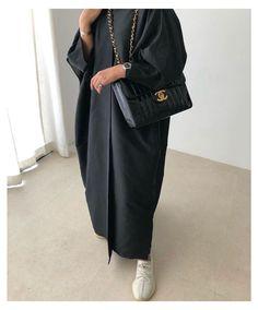 Modest Fashion Hijab, Modern Hijab Fashion, Street Hijab Fashion, Modesty Fashion, Hijab Fashion Inspiration, Abaya Fashion, Muslim Fashion, Fashion Black, Niqab
