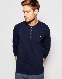 Langärmliges T-Shirt von Jack Wills aus Baumwolljersey Knopfleiste Logostickerei reguläre Passform - entspricht den Größenangaben Maschinenwäsche 100% Baumwolle Model trägt Größe M und ist 183 cm/6 Fuß 0 Zoll groß