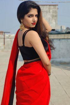 Beautiful Girl Photo, Beautiful Girl Indian, Beautiful Women Pictures, Beautiful Indian Actress, Indian Bollywood Actress, Beautiful Bollywood Actress, Indian Beauty Saree, Indian Sarees, Long Black Hair