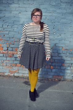 Yellow tights with black and white geometrically patterned top and skirt Yellow Tights, Top Pattern, Ruffle Blouse, Leggings, Black And White, Skirts, Color, Tops, Women