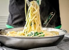 An easy weeknight pasta made with a creamy ricotta, lemon, and spinach sauce that will be done and on your table in 20 minutes. Winter Dinner Recipes, Healthy Dinner Recipes, Vegetarian Recipes, Lemon Pasta, Spinach Pasta, Easy Weeknight Meals, Quick Easy Meals, Winter Dishes, Winter Food