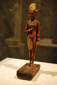 Akhenaten or Tutankhamon  standing  striding figure of Akhenaten or  Tutankhamon 18th Dynasty