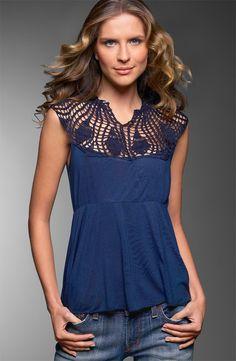 Top with Crochet yoke Crochet Yoke, Mode Crochet, Crochet Fabric, Crochet Collar, Crochet Blouse, Irish Crochet, Crochet Patterns, Crochet Clothes, Diy Clothes