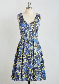 Collection Critique Dress. Your latest body of work is sure to wow the panel as much as your eye-catching ensemble choice - this brightly printed midi by Closet London! #blue #modcloth