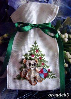 Handmade by oreade65  www.oreade65.de.tl Cross Stitching, Cross Stitch Embroidery, Cross Stitch Patterns, Cross Stitch Pictures, Xmas Ornaments, Christmas Cross, Bead Art, Needlepoint, Christmas Stockings