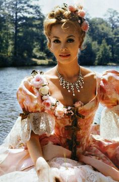 Анжелика Most Beautiful Faces, Beautiful Redhead, Classic Hollywood, Old Hollywood, Michelle Mercier, Princess And The Pea, French Actress, Vintage Style Dresses, Vintage Beauty