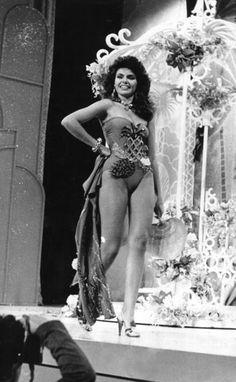 Miss Trujillo, Bárbara Palacios en su presentación en traje de Baño, la Noche Final del Miss Venezuela 1986 …