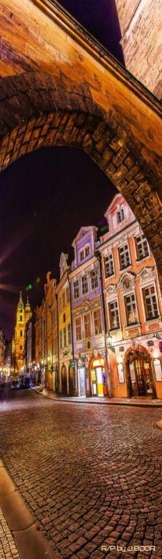 Praga de noche, República Checa Más