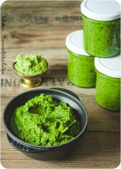 Bärlauchpaste - Amanda V. Fish Recipes, Asian Recipes, Ethnic Recipes, Chutneys, Low Calorie Recipes, Healthy Recipes, Pesto Dip, Coconut Milk Curry, Wild Garlic