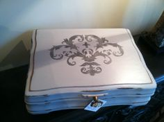 Vintage silverware box turned into a gorgeous jewelry box. From ReDesign with Mine.
