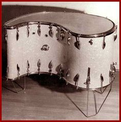 Comma-shaped drum with calf-skin head on which all pitches within a range of one and a half octaves can be played