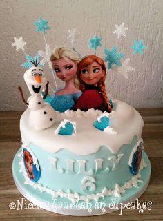 Elsa Birthday Cake, Frozen Themed Birthday Cake, Frozen Theme Cake, Frozen Themed Birthday Party, Themed Cakes, Disney Frozen Cake, Birthday Parties, Anna Elsa Torte, Frozen Themed Food