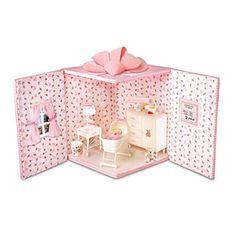 Adorable room in a box diorama idea.