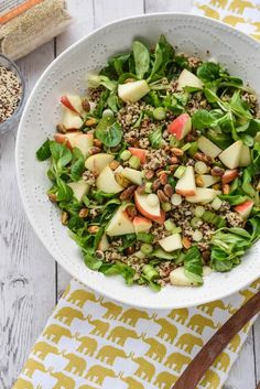 Detox Quinoa Salad with Turmeric Tahini Dressing - eating healthy can be delicious! {gluten free, paleo, whole30}