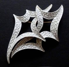 Large AMAZING Vintage Signed Trifari White Abstract Geometric Brooch Pin Enamel