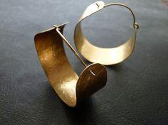 Large brass hammered hoops by @Jasmin Schümann Schümann Mitchell on @Etsy