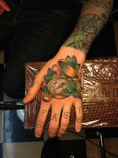 hand tattoo | Tumblr hand tattoos, favorit art, bodi art, tattoo art, compass, nice tattoo, ink