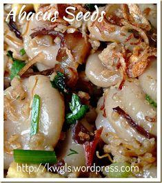An Auspicious Hakka Dish–Hakka Abacus Seeds/Beads (客家算盘子) - Guai Shu Shu Hakka Recipe, Malaysian Food, Chinese Food, Dessert Recipes, Yummy Recipes, Desserts, Asian Recipes, Seed Beads, Cravings