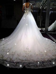 Hot on Pinterest: 10 Utterly Gorgeous Wedding Dresses 2013 - MODwedding