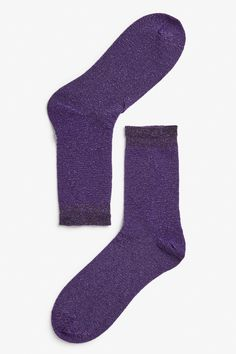 """<p>Glittering, metallic socks with a little frill for an extra shot of 'aww'? Yes, please. </p> <p><em><br type=""""_moz"""" /></em></p>"""