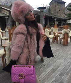 Sunday Pink in @giulian_luxury #Furs/#Colbacco☃❄️ #courmayeur #sunday #GiuliaNLuxury