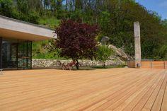 endlich, TERRASSENDIELENZEIT! Holzterrassendielen Made in Austria - gibt es nur bei uns :-) hier zeigen wir euch eine wunderschöne Lärchendiele. #terrasse # garten #holzterrasse #massivholz#madeinaustria #flachau #salzburg #love #amazing #wohnen #living #design #architektur Salzburg, Deck, Outdoor Decor, Design, Home Decor, Types Of Wood, Garden Sheds, Ad Home, Architecture