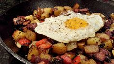 After a night of drinking or just a hankering for a really good brunch, this recipe for potato hash is simple to make and will satisfy anyone's appetite. Bacon Pancake Dippers, Pancakes And Bacon, Veggie Recipes, Cooking Recipes, Healthy Recipes, Healthy Eats, Yummy Recipes, Tostadas, Brunch Recipes
