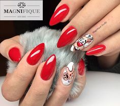 nageldesign-winter-elegant-manicure-in-red-color-white-and-decorations-moose-and-ginger cookies Festive Idea Cute Christmas Nails, Xmas Nails, Christmas Nail Art, Red Nails, Love Nails, Hair And Nails, Nagel Stamping, Dog Paw Pads, Winter Nails