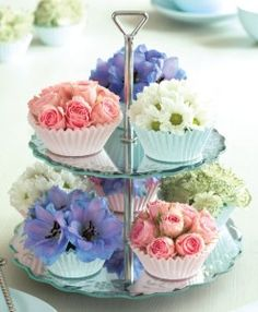 How to make a pretty and easy flower arrangement with cupcake cases