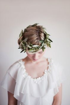 olive crown For more inspiration visit https://www.facebook.com/poppiesforwillow