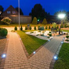 The most creative outdoor patio lighting ideas that everyone wants to use for light up their backyard. Best landscape lighting ideas on Architectures Ideas. Led Garden Lights, Path Lights, Large Backyard Landscaping, Backyard Patio, Landscaping Tips, Backyard Lighting, Outdoor Lighting, Lighting Ideas, Patio Grande